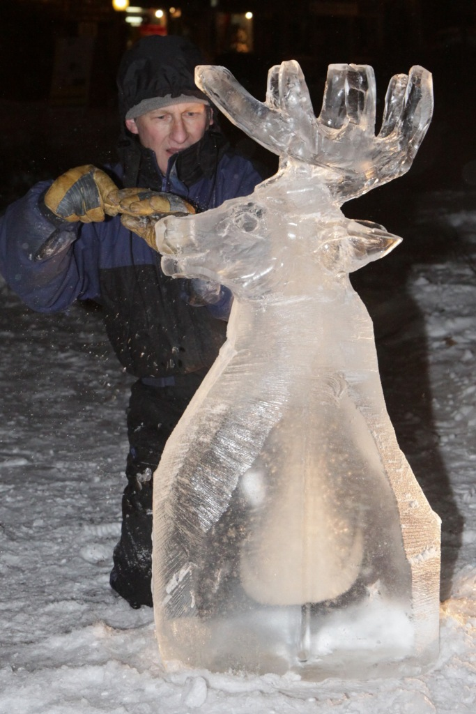 Ice sculptor Mark Bosworth